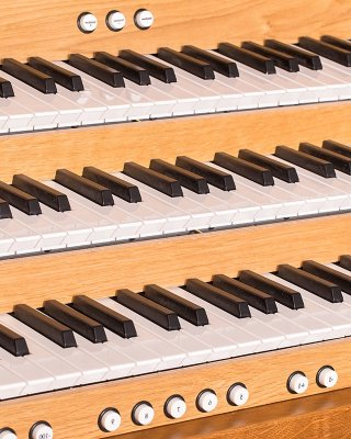 2, 3 or 4 manual keyboards