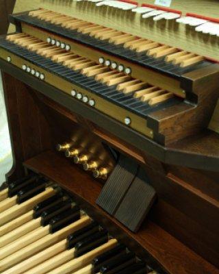 Wooden manual keyboards